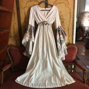 🌙Vintage Gunne Sax STYLE Bell Sleeve Maxi Dress